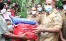 Nanang Ermanto Bantu Korban Bencana Rumah Roboh Didesa Klawi Kec. Bakauheni