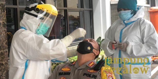 Polresta Bandar Lampung Gelar Tes PCR Bagi Personel