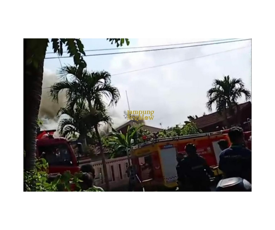 Rumah Milik Anak Mantan Bupati Terbakar