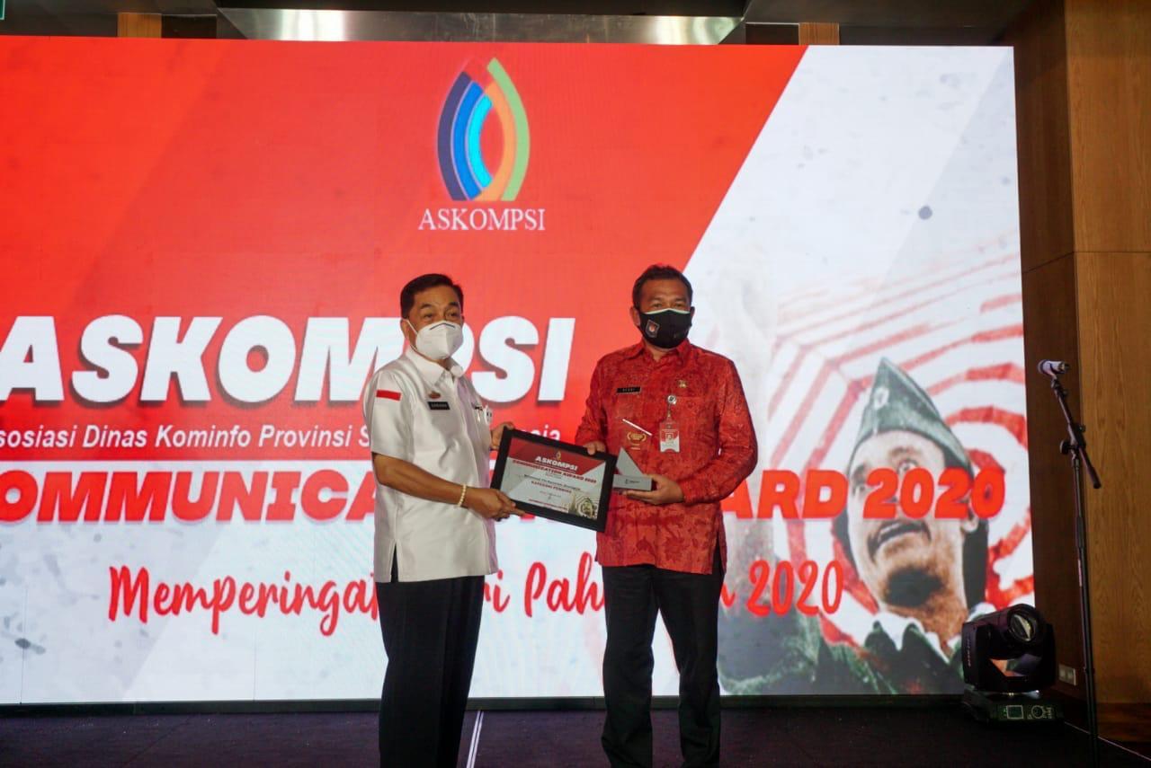 Achmad Chrisna Putra Sampaikan Penghargaan Kepada Sejumlah Lembaga dan Pimpinan Daerah