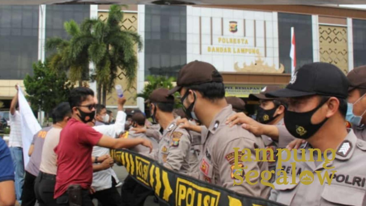 Tingkatkan Kemampuan Sat Sabhara Polresta Bandar Lampung Latihan Dalmas