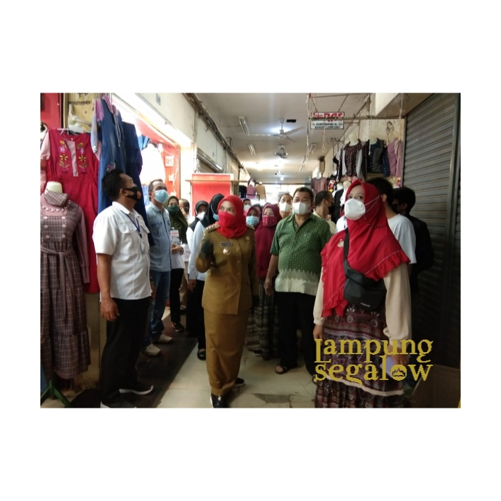 Tinjau Bambu Kuning Trade Center, Walikota Eva Dwiana Minta Fasilitas Utama Diperbaiki