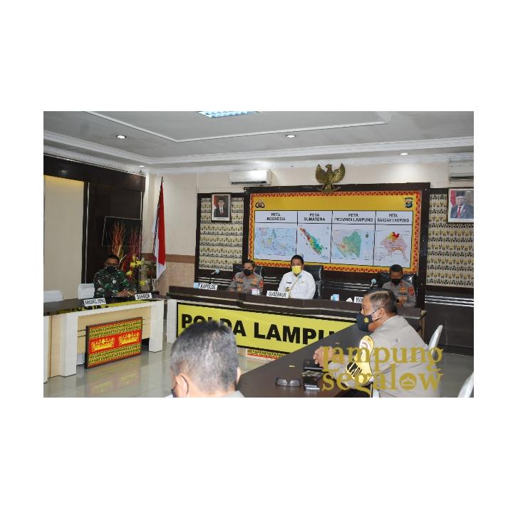 Kasrem 043/Gatam Ikuti Rakor Lintas Sektoral Secara Vicon Di Mapolda Lampung