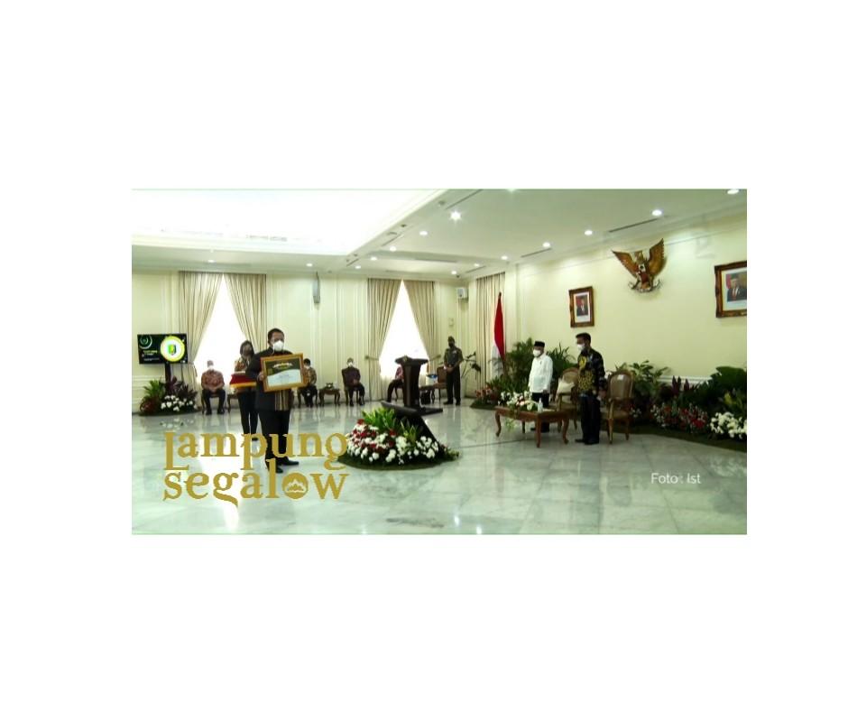 Lampung Terima Penghargaan Bidang Pertanian